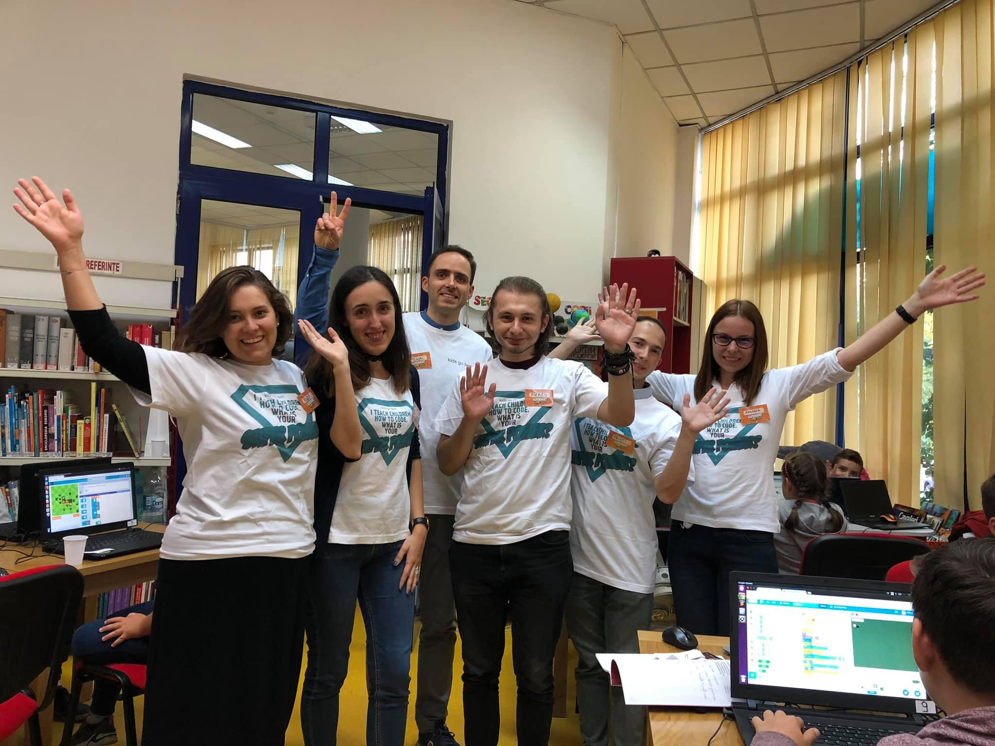 Parte din trainerii voluntari Kids Go Tech